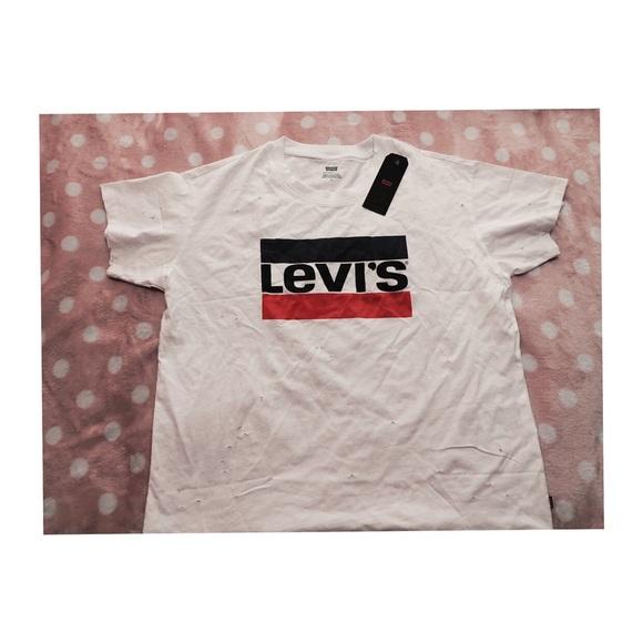 Levi's New Graphic White Ex-Boyfriend T-shirt.